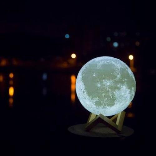 Lampa veghe Luna Moon Lamp 18 cm, imprimata 3D, reincarcabila